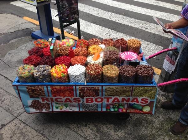 Encontrarás carritos con una amplia variedad de botanas en la Ciudad de México