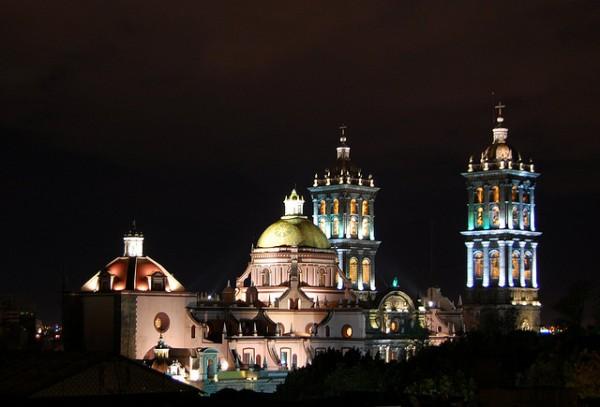 Admira la belleza de la Catedral de Puebla